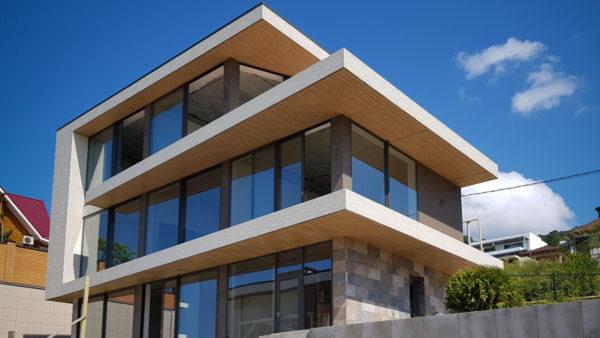 Монтаж навесного фасада на частном доме в п. Хоста